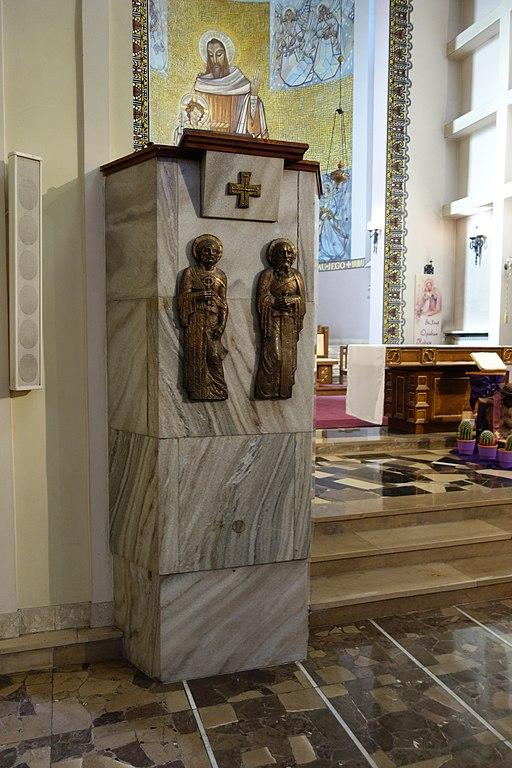 Kosciol Sw Jozefa i Jana od Krzyza ambona