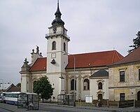 Kostel sv Bartoloměje v Heřmanově Městci od jihu.jpg
