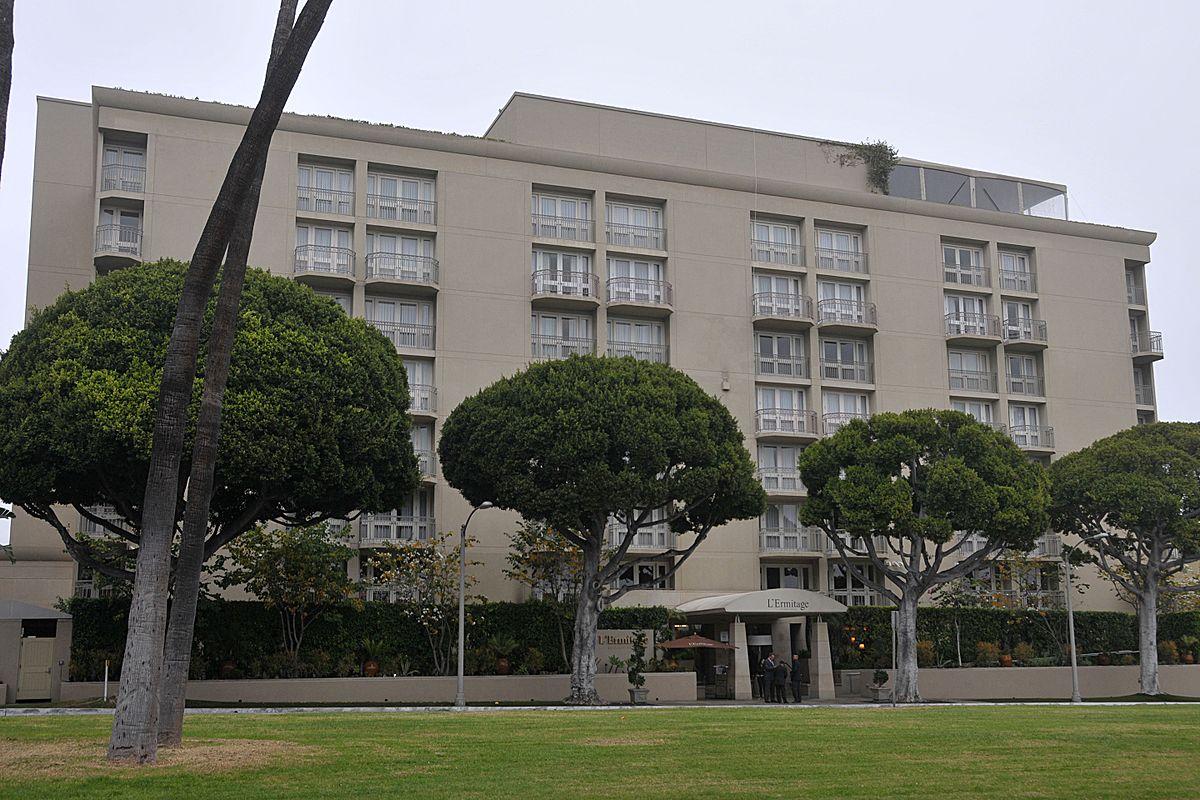 Burton Way Luxury Apartments Rent