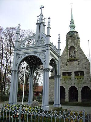 Lützen - Gustavus Adolphus memorial with Schinkel canopy