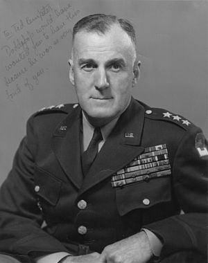Edward H. Brooks - Image: LTG (USA) Edward H. Brooks, final formal military portrait