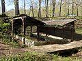 La Neuville-en-Hez (60), lavoir en lisière de la forêt de Hez-Froidmont 3.jpg