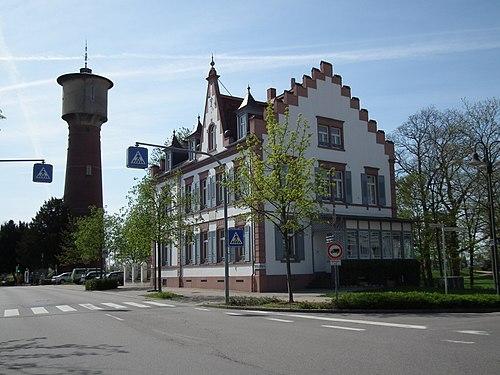 Ladenburg Wasserturm und Wohnhaus Carl Benz.JPG