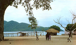 Lake malawi national park.jpg