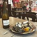 Le Domjohn Bar (Beynost) - huîtres et vin blanc - 2.JPG
