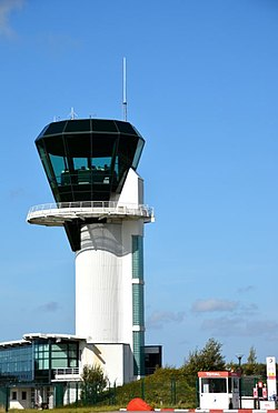 Le Havre airport - Tower control.JPG