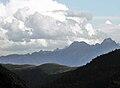 Le massif du Luchonnais et Le Pic de Hourgade (2964m).jpg