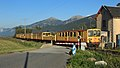 Le train jaune au PN 32 (3) par Cramos.jpg