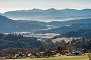 Liebenfels Soerg Blick gen SW auf das Klagenfurter Becken und Karawanken 29122016 4758.jpg