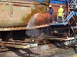 Limpieza del casco de un buque con chorro de agua, en Las Palmas de Gran Canaria.JPG