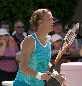 2001 WTA Tour - Lindsay Davenport won a tour-leading seven titles and finished the year as the No. 1 ranked player.