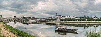 Loire River in Blois 04.jpg