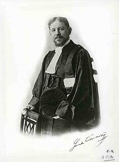Lucien Tesnière French linguist