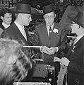 Lustrum Amsterdamse studenten, prins Bernhard met Mexicaanse hoed, Bestanddeelnr 914-0512.jpg