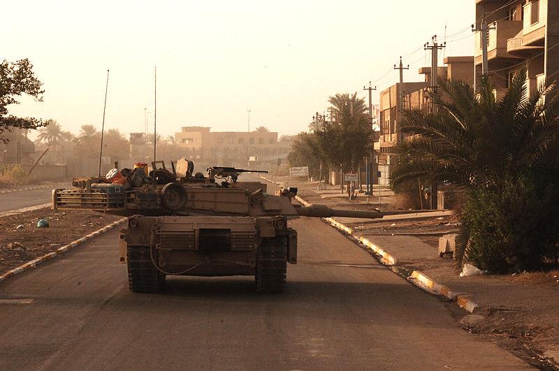 M1 Abrams 800px-M1A1_Tank_001