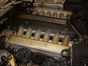 BMW 7 Series (E32) - M70 V12 engine