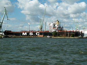 MSC Carina repairs, at Port of Antwerp, Belgium 16-Sep-2005.jpg