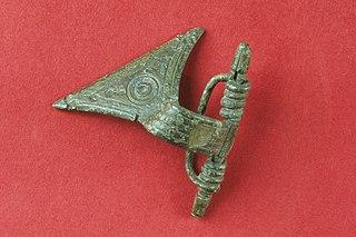 Fibule en arbalète en bronze 98.8.3