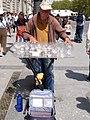 Madrid - Plaza de Oriente, artista callejero.jpg
