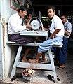 Mandalay-Jademarkt-62-Schleifer-gje.jpg