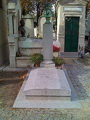180px-Manet-grave.jpg