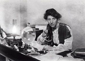 Marie Stopes - Stopes in her lab in 1904