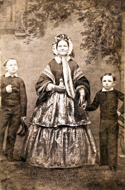 File Mary Willie And Tad Lincoln C1860 Jpg Wikimedia