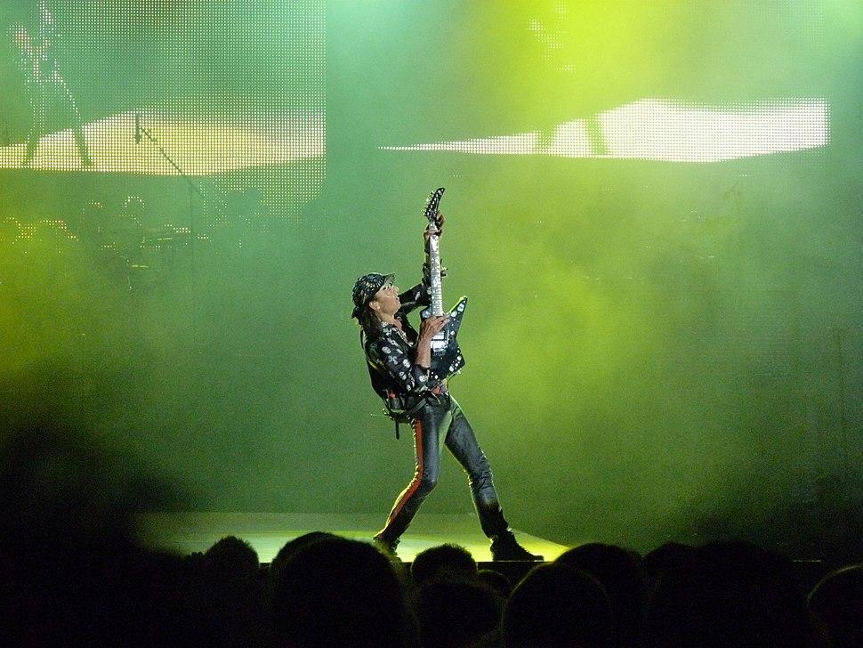 Matthias Jabs, Scorpions - Szabads%C3%A1gkoncert, 2014.06.16 (13)