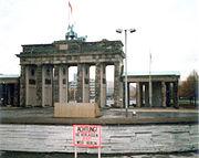 Puerta de Brandeburgo, 1987, vista desde el lado occidental