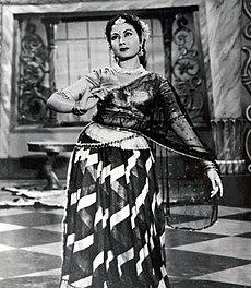 Meena Kumari in Azad.jpg