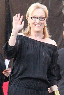 Meryl Streep At The 2014 SAG Awards (12024455556) (cropped 2).jpg