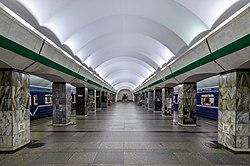 Metro SPB Line3 Primorskaya platform.jpg