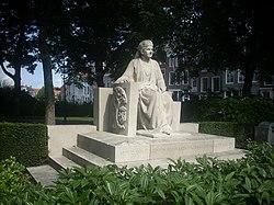 Middelburg Koningin Emma Monument.jpg