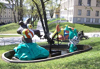 Moderna Museet - Le Paradis fantastique (1966) by Niki de Saint Phalle and Jean Tinguely, sculptures outside Moderna Museet