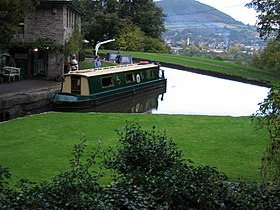 Monmouthshire and Brecon Canal, near Llanfoist - geograph.org.uk - 49209.jpg