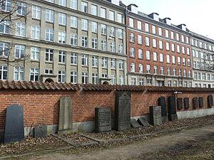 Jewish Northern Cemetery (Copenhagen) - Image: Mosaisk Nordre Begravelsesplads 4
