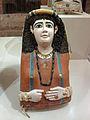 Mumienmaske einer Frau mit Schlangenarmbändern-Neues Museum.jpg