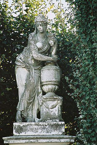 Sculptures in the Schönbrunn Garden - Image: N01Artemisia