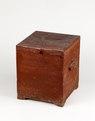 Nattstol (potta) i form av låda i rödmålad furu från 1800- talet - Skoklosters slott - 95286.tif