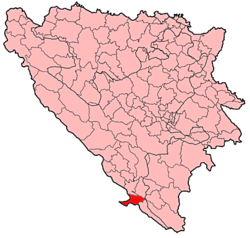 Location of Neum municipality (shown in red) within Bosnia and Herzegovina.