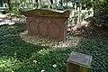Neuwied, städtischer Friedhof - Kenotaph des David Roentgen.jpg