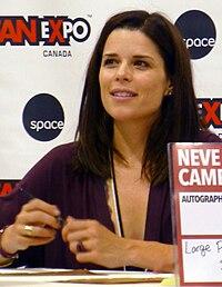ネーヴ キャンベル wikipedia