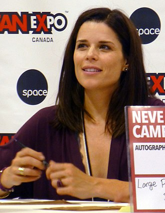 Neve Campbell - Campbell at the 2015 Fan Expo Canada