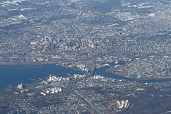 New Haven from above, 2009-12-10.jpg