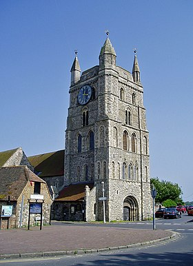 New Romney Church Tower - New Romney - Kent - June 2007.jpg
