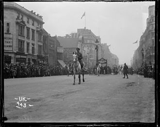 Robert Young (soldier) - Young leading the New Zealand Contingent, London Victory Parade 1919
