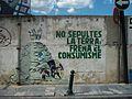 No sepultes la terra, frena el consumisme, mural a Alcoi.JPG