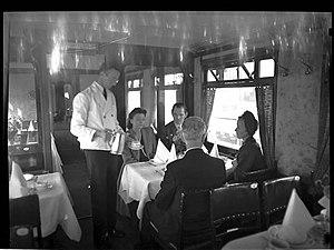 Norsk Spisevognselskap - Image: Norsk Spisevognselskap dining in 1947