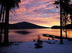 Odell Lake at dawn by Gary Leaming (8272124999).jpg