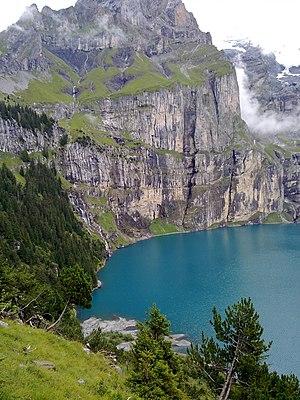 Oeschinen Lake - Image: Oeschinensee 01